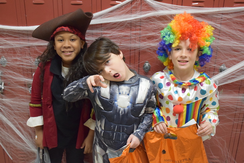 High School Students Make Halloween a Treat